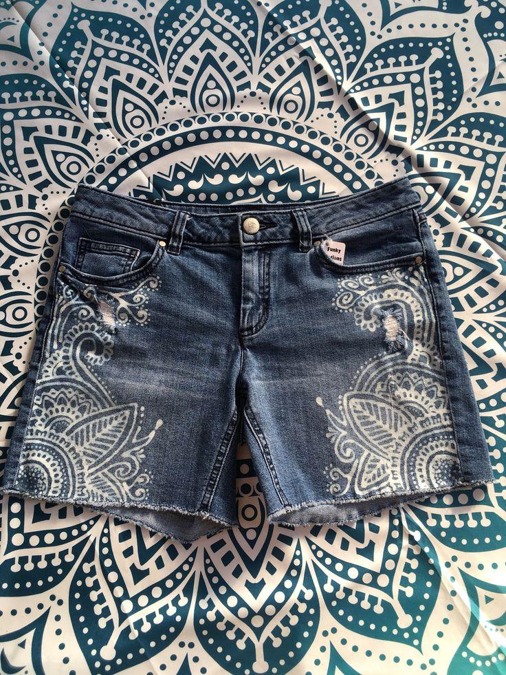 Unique hand painted bleached denim jean shorts size small (4) – Business ideas