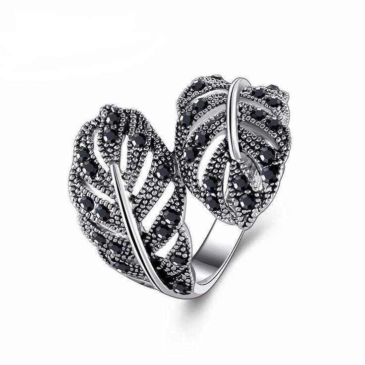 Retro White Gold Plated Black Rhinestone Leaf Ring