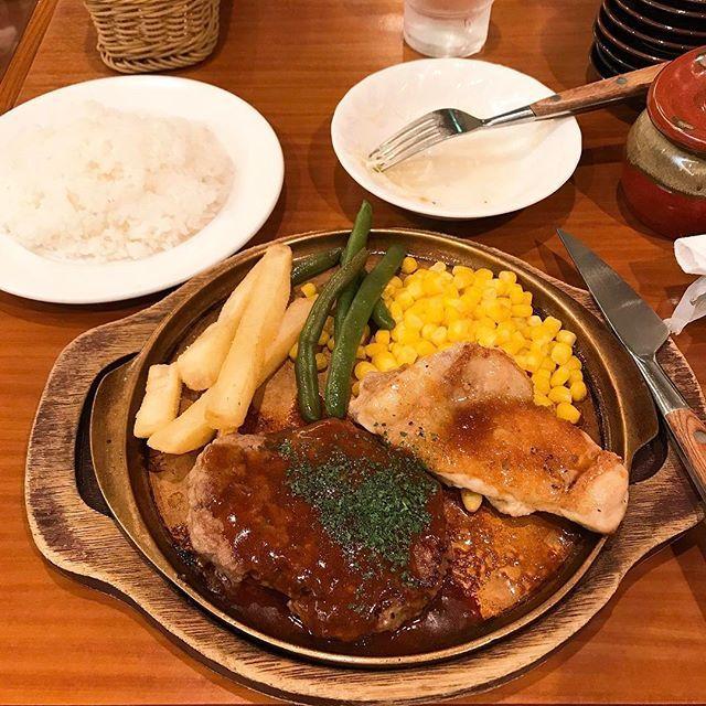一人でがっついたお肉は美味すぎた🍗🍗😋野菜嫌い肉だけ食べて生きたい#fukuoka#lunch#meat#chicken#福岡#ランチ#肉#170501