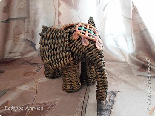 Поделка изделие Плетение Африканцы и слон   Бумага газетная Трубочки бумажные фото 8