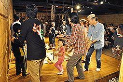 催事で伝統文化に触れる 白老・アイヌ民族博物館 (2015年 8/11)