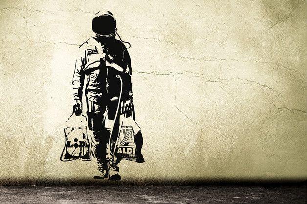 wandtattoo banksy astronaut streetart wandtattoo graffiti ein designerst ck von. Black Bedroom Furniture Sets. Home Design Ideas