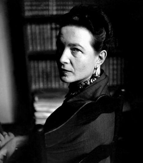 Simone de Beauvoir (1908-1986) Simone de Beauvoir a feminizmus egyik legjelentősebb ideológusa, és a 20. század meghatározó gondolkodója volt. A második nem című könyve, melyben a nő férfi által meghatározott voltáról és a testi determináció tagadásáról értekezik, máig a feministák bibliája. Beauvoir a szintén filozófus Jean-Paul Sartre-ban talált rá társára.
