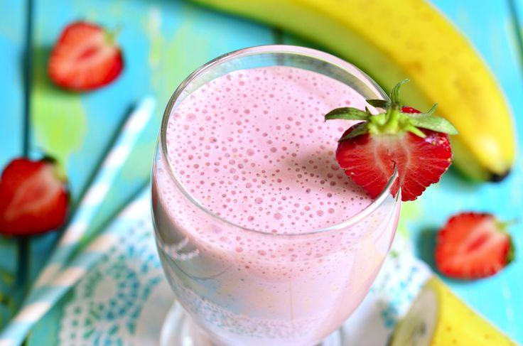 Es una bebida que podría ayudarte a prevenir el cáncer, por su gran aporte de antioxidantes. Congela las frutas el día anterior y el amaranto en una bolsa de plástico, para que solo le agregues la leche.
