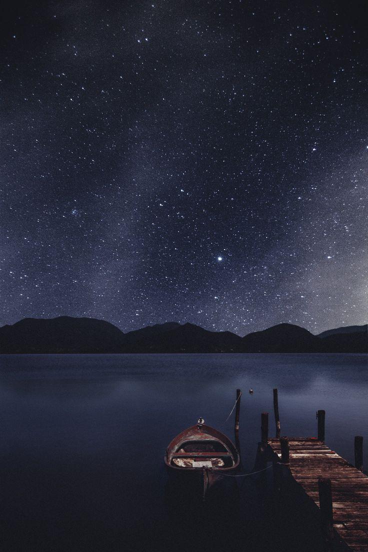 http://blog.avisiblesignofmyown.com/post/80375975200/that-little-boat-under-the-stars Elena Morelli