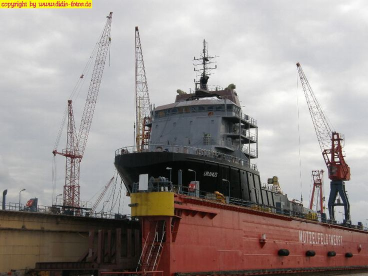 Dock der Mutzelfeldt-Werft in Cuxhaven