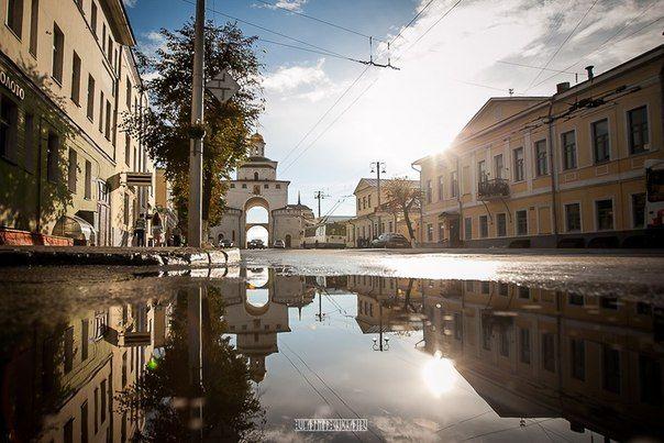 Мой город после дождя ранним утром. Старинный город Владимир. Золотые ворота.