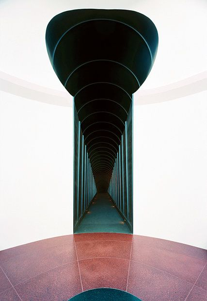How James Turrell Knocked the Art World Off Its Feet - The New York Times