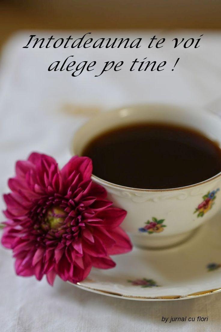 Cafea, flori si un mesaj de dragoste
