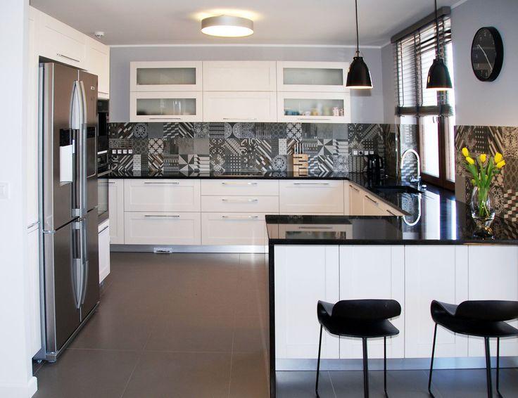 Inspiracja Ida biało czarne, oskarowe stylizacje we   -> Kuchnia Otwarta Meble