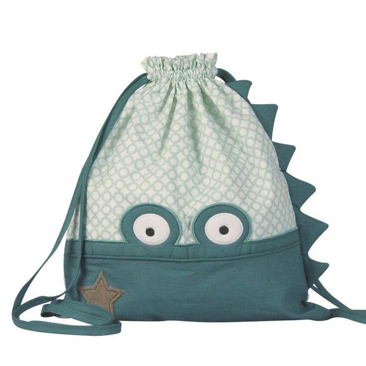 Sac à dos, sac à couches, sac à goûter, sac à doudou... ce sac à dos rigolo et original est parfait pour accompagner bébé de la crèche jusqu'à la maternelle. Personnalisable au prénom de l'enfant.