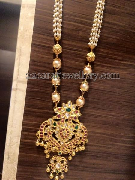 Jewellery Designs: Pearls Chain with Temple Pendant
