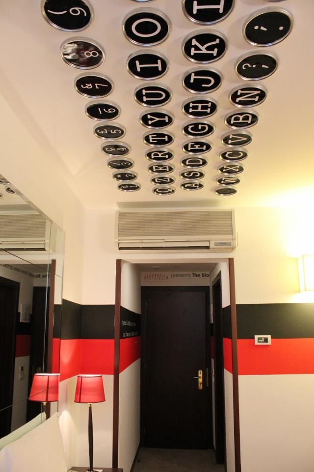 #305 LETTERA 305 Typewriting Room