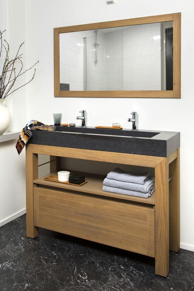 Badkamermeubel Lavanto met inclinata wastafel in composiet. Hout geeft een gevoel van wellness in de badkamer.