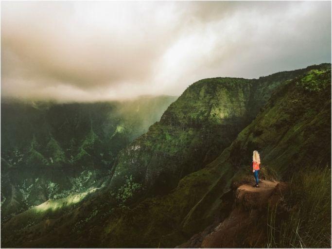 Adventures on the Na Pali Coast, Kauai Hawaii. Hiking the Kalalau Ridges. Things to do in Hawaii