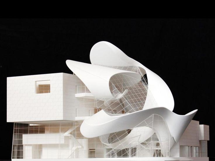 どんな建物も、最初は小さな模型として始まる。ヘルツォーク&ド・ムーロン、ゲーリー・パートナーズ、故ザハ・ハディド。名だたる建築家たちが頼る、2つの模型制作スタジオによる精巧な「建築模型の世界」を紹介しよう。