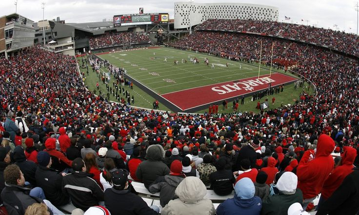 Urban Meyer is right: Cincinnati would look great in the Big 12 = Can you imagine the Cincinnati Bearcats in the Big 12? One prominent college football head coach certainly can, though he did recently admit he's biased.  Ohio State's Urban Meyer seemed excited when it was.....