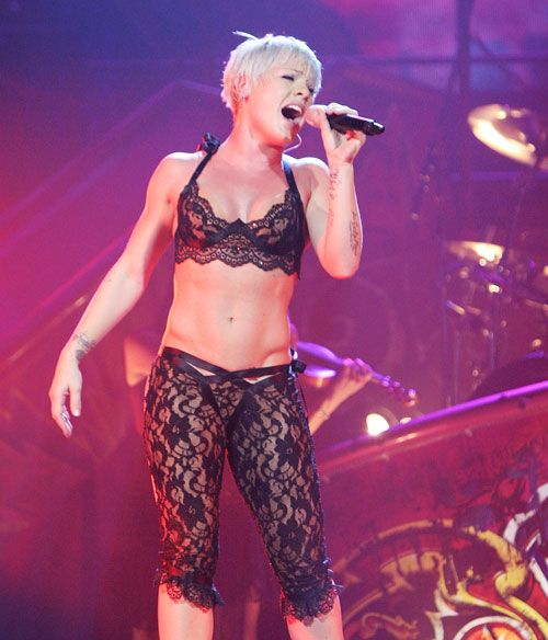 P!NK I want those obliques. And honestly, I can see the beginning of them.