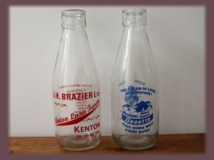Bouteilles de lait anglaises anciennes