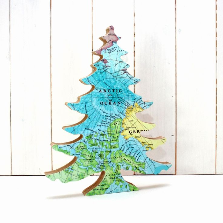 Christmas in #HTFStyle Map print Christmas tree