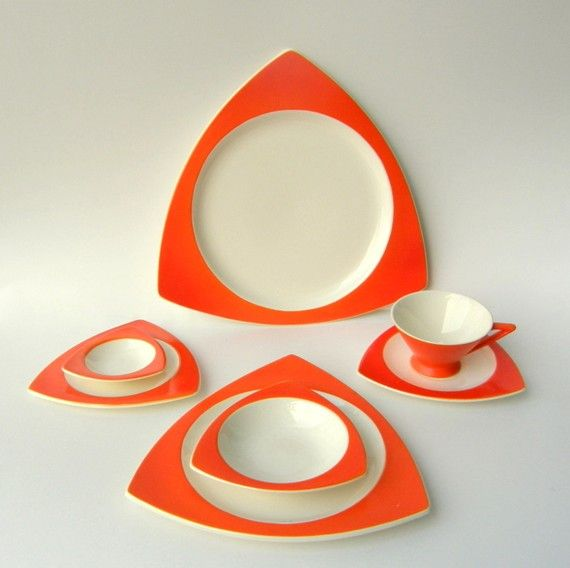 atomic retro dinnerware!