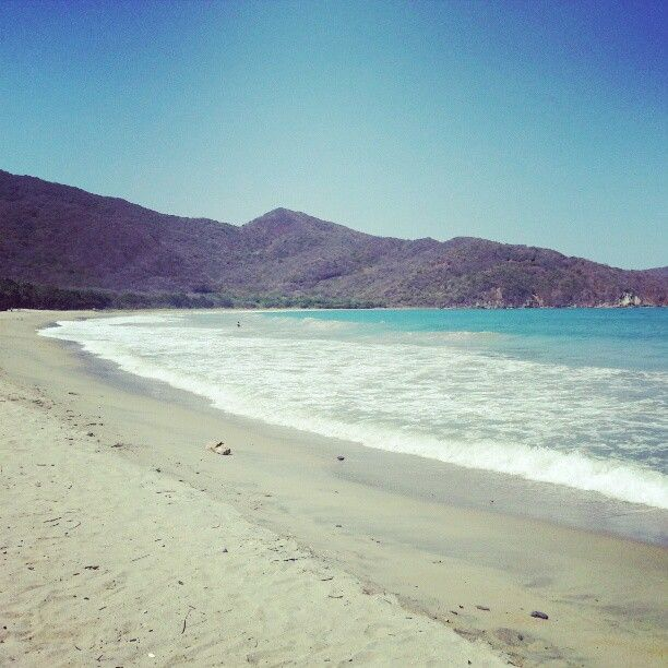 Playa Cristal o Playa del Muerto en Santa Marta, Magdalena