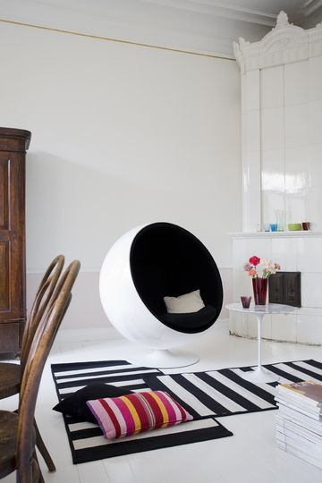 The Ball Chair Reproduction is a beautiful recreation of Eero Aarnio's original Ball Chair, also called the Globe Chair.  #ballchair #eero #globechair #eeroaarnios #midcentury #furniture