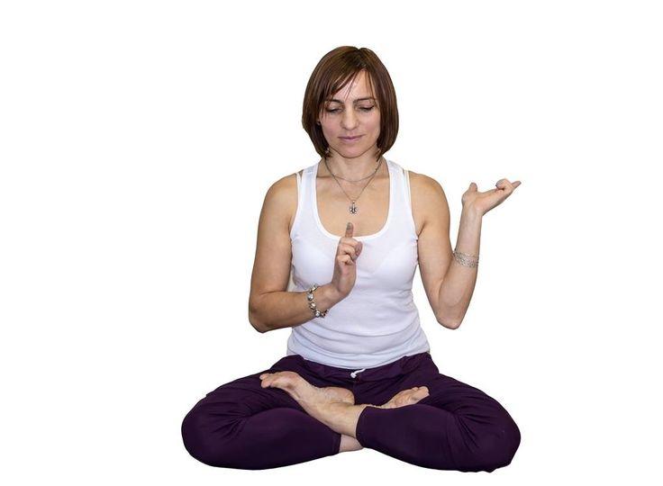 """""""Наша жизнь – следствие наших мыслей; она рождается в нашем сердце и творится нашей мыслью. Если человек говорит и действует с доброй мыслью, радость следует за ним как тень, никогда не покидающая."""" Будда Гаутама #алматы #йога #гаятрийога #almaty #instakzdaily #instakz #kz #yoga #instayoga #almatytoday #yogalover #растяжка #live_yoga_almaty #yogamarketkz #yoga_almaty"""