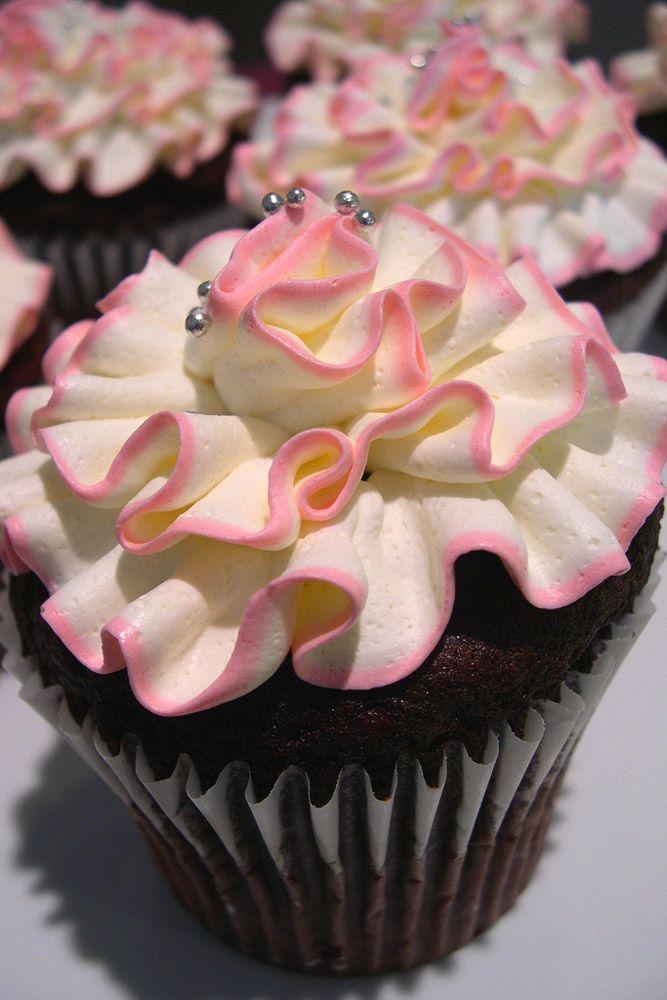 17 Best ideas about Vintage Wedding Cupcakes on Pinterest