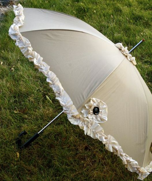 Make a Ruffly Umbrella from a $ store shower curtain