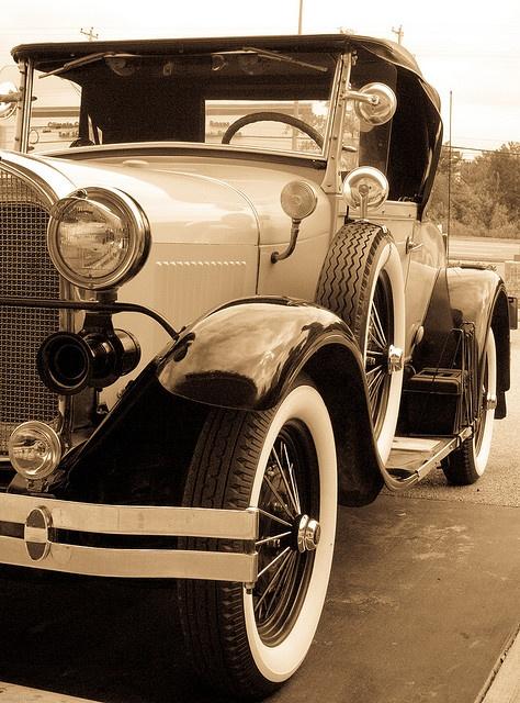 Vintage Car - I love them!!! www.buildfishinglures.com www.pennylure.com www.cashobo.com