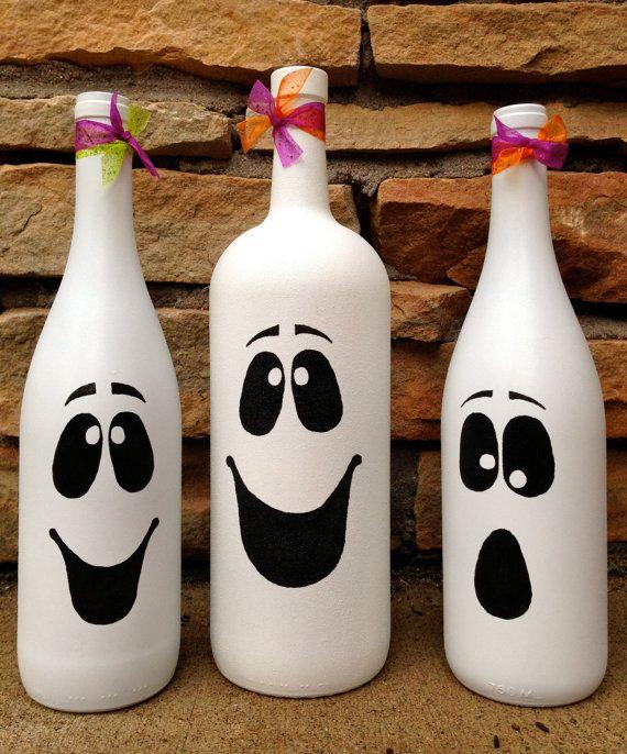 Halloween Ghost Wine Bottle Décor / Cute Autumn by Hinzpirations                                                                                                                                                                                 Mehr