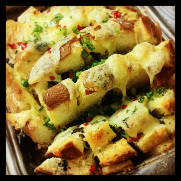 Pão italiano recheado ao forno!