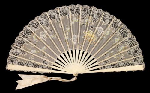 Lace hand fan, 1880s. Courtesy of the Metropolitan Museum of Art.