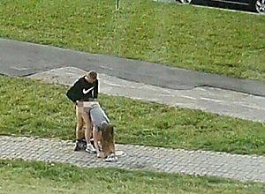 Casal é flagrado transando na rua e foto choca a internet