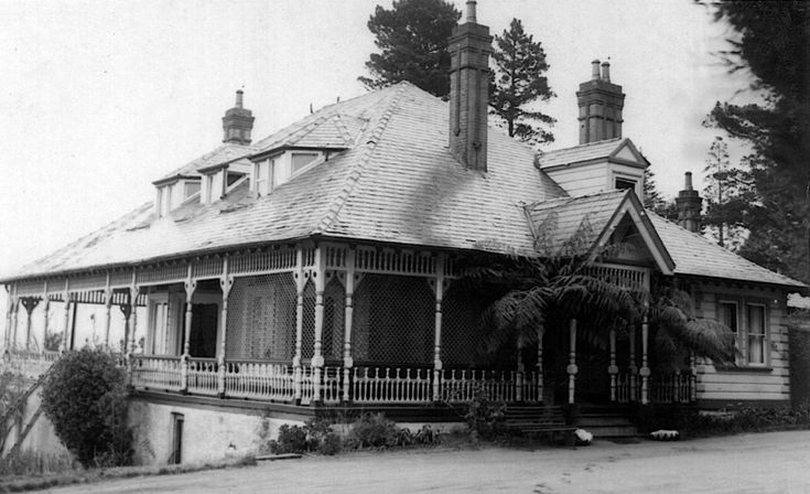 1946 Lilianfels, Katoomba