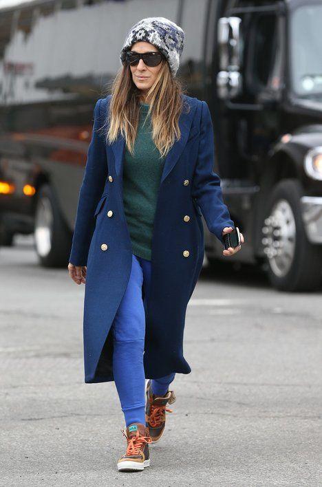 Na volný čas Sarah Jessica většinou volí pohodlné džíny a raději než boty na podpatku obuje pohodlné tenisky; Profimedia