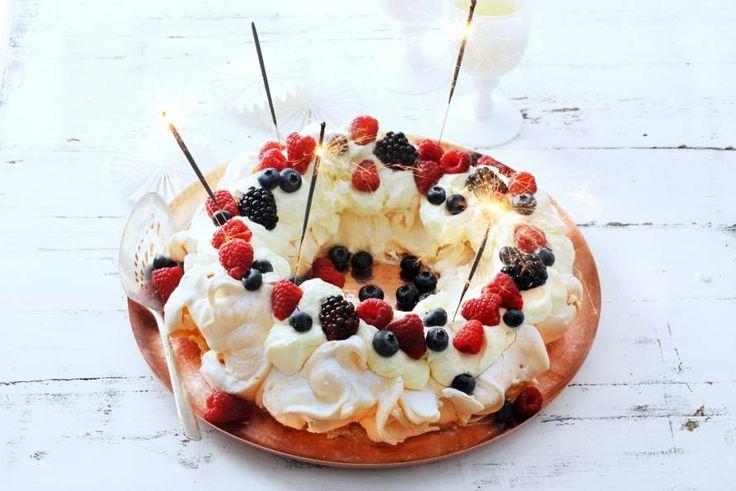 Pavlova-kerstkrans met fruit