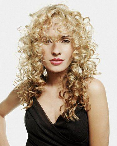 Lang, blond krulhaar