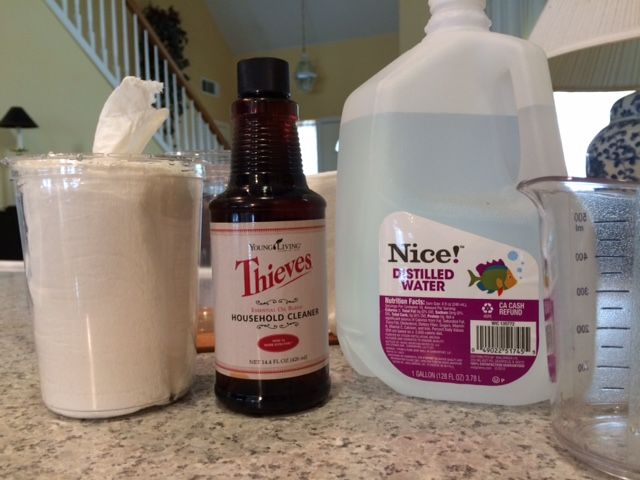 Is there an oil I can use to make a disinfectant wipe?