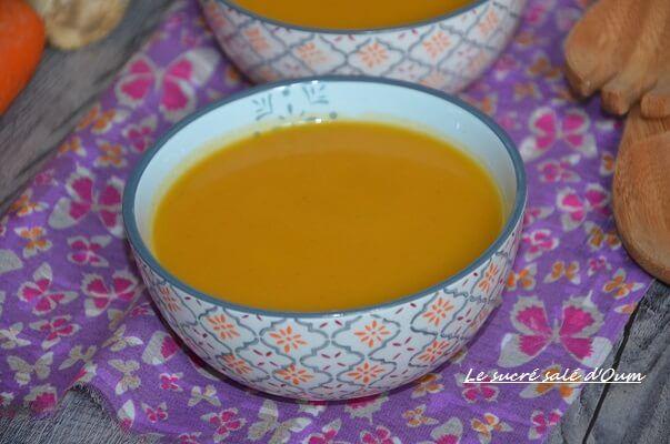 soupe carottes céleri gingembre, soupe céleri branche régime préparée avec des carotted pommes de terre et parfumé au gingembre