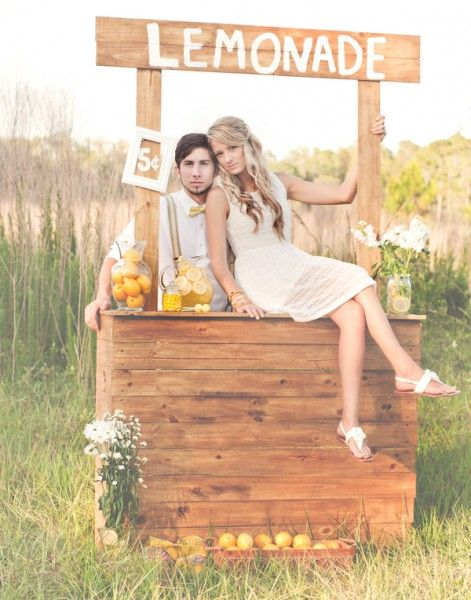 such a fun idea for pictures. A lemonaid stand would be cute for a family or little kids too