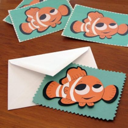 Finding Nemo free download and printable pattern from Disney @Spoonful perfect for a scrapbook page or using trace and cut on a silhouette machine!