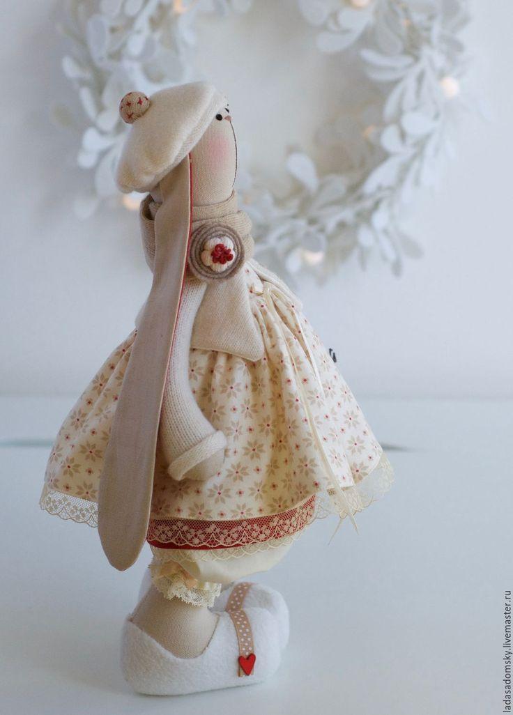 Купить Зайка новогодняя - текстильная игрушка 38 см - бежевый, зайчик, зайка девочка
