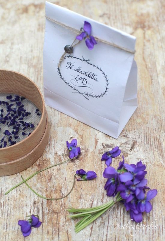 ahhh Spring ... How to make your own ridiculously easy, inexpensive 'Violet Tea' ~*~ sacchetto violette ~*~