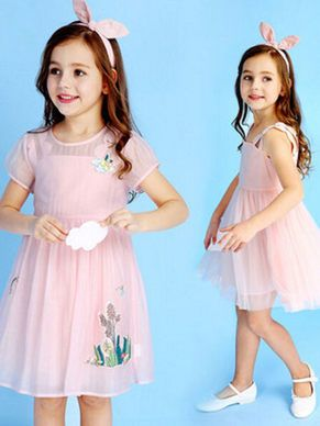 How does this baby girl birthday dress look? #jollyhers #kids #birthday