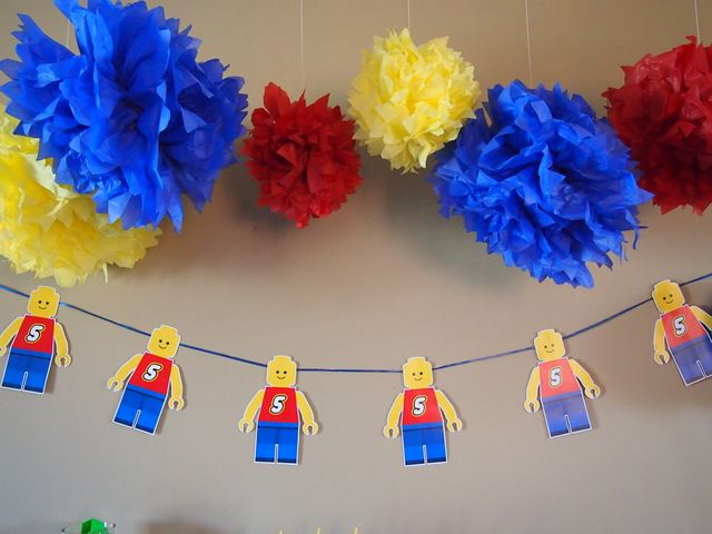 Banner and décor at a Lego Party #legoparty #banner