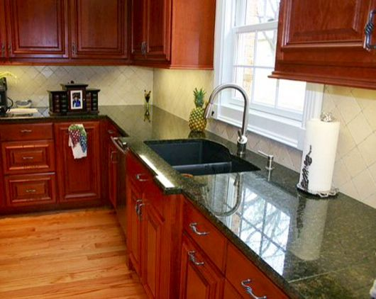 Ubatuba Granite Counters Cherry Cabinets And Terracotta