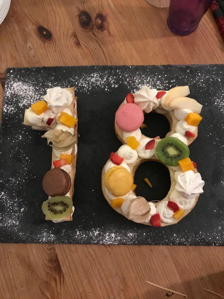Gâteau d'anniversaire fait 💕par Mael pour ses 18 ans. Superbe accueil pour cette fête d'anniversaire chez lui.