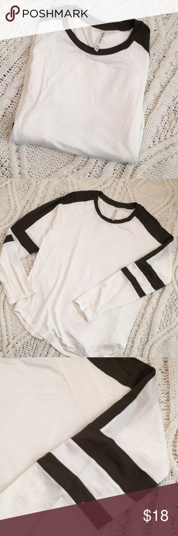 Never Worn Hunter Green and White Baseball Tee Never worn white and hunter green long sleeve baseball style tee. Size small, but will fit XS for a looser look! Tops Tees - Long Sleeve